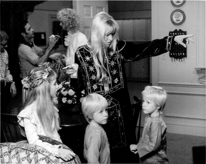 Tracy, Matthew, Gunnar, three of Ricky's children, and Connie Nelson in Ozzie's Girls