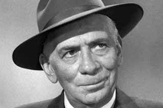 RAY COLLINS AS LT. ARTHUR TRAGG