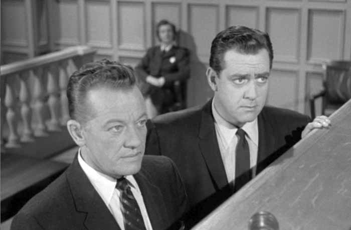 WILLIAM TALMAN AS HAMILTON BURGER, RAYMOND BURR AS PERRY MASON